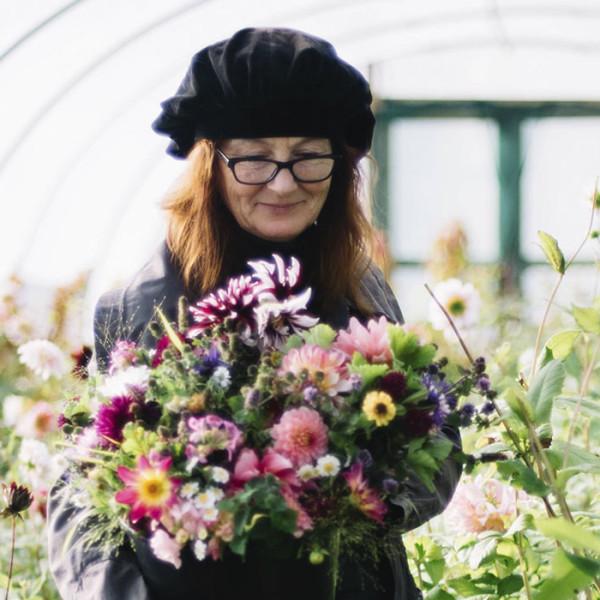 leonie-cornelius-garden-designer-ireland-garden-wreaths-bumblebee-farm-2