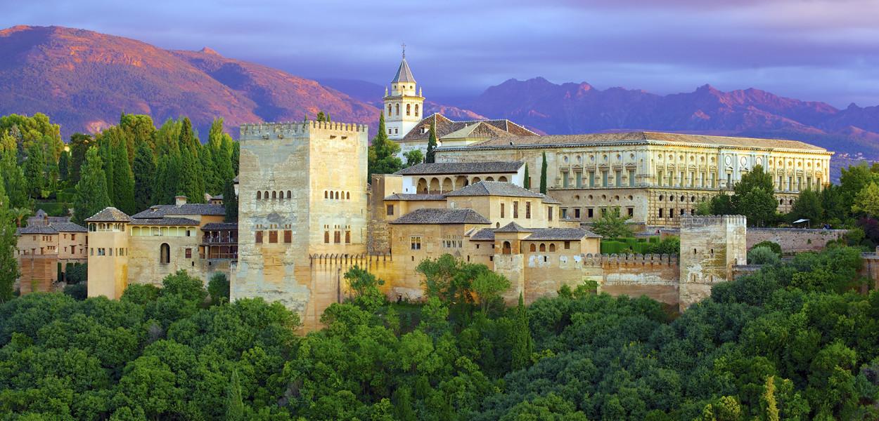 leonie-cornelius-ranunculus-mail-on-sunday-colin-gillen-Juvi-alhambra-garden-designer-6