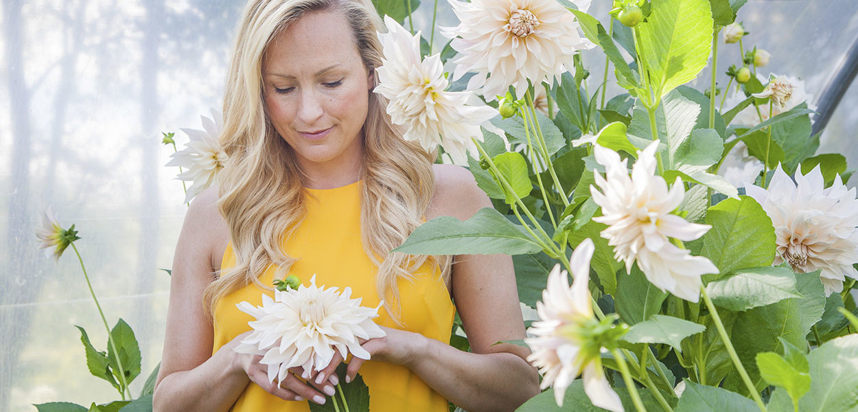 leonie-cornelius-garden-designer-ireland-dahlia-bloom-3