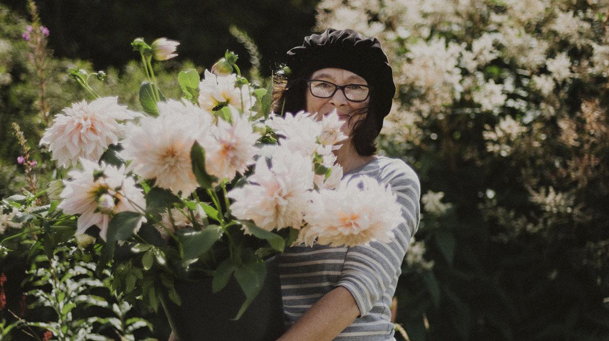 leonie-cornelius-garden-designer-ireland-garden-wreaths-bumblebee-farm